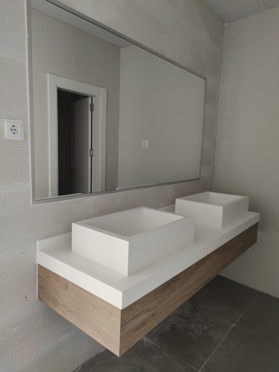 baño mueble de madera