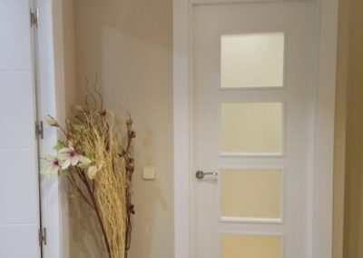 Puertas lacadas en blanco en diferentes proyectos